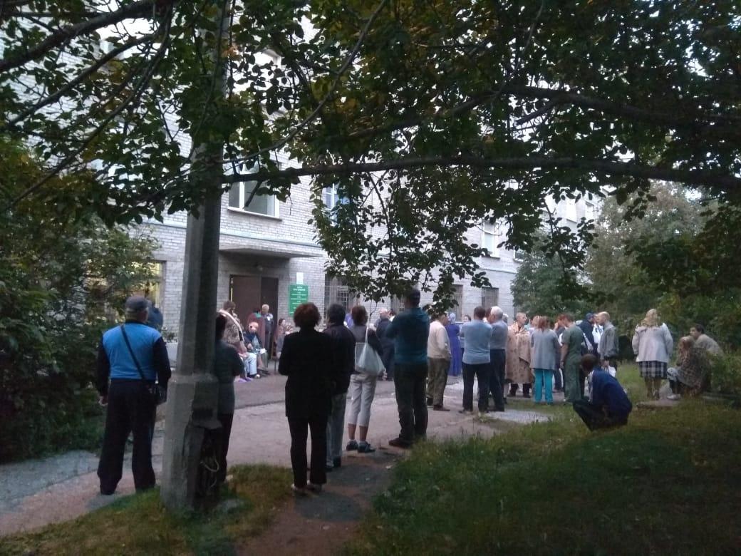Пациентов эвакуировали из седьмого корпуса, в котором работают гинекологическое, урологическое, офтальмологическое и ожоговое отделения