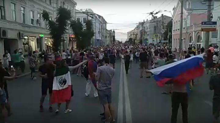 «Рыдали от счастья»: что происходит на улицах Самары прямо сейчас