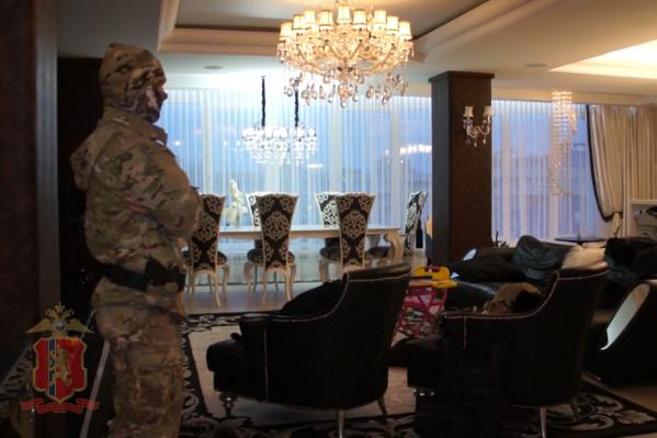 В МВД подтвердили, что «обыски прошли в квартире подозреваемого»