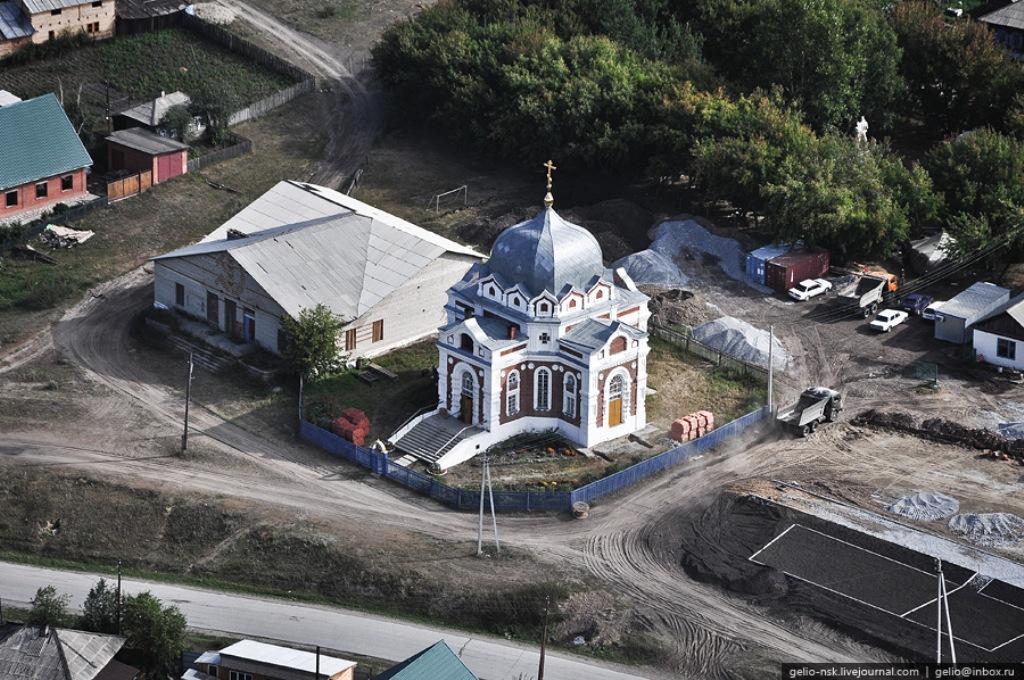 Церковь Покрова Пресвятой Богородицы в объективе известного фотографа Славы Степанова