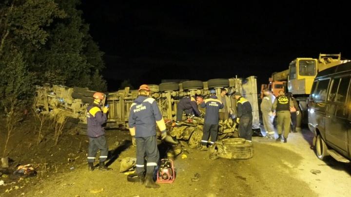 Хроника страшной аварии на Полевском тракте, в которой погибли восемь человек