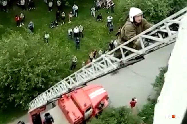 Переговоры вел пожарный Александр Гаврилюк