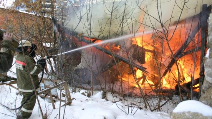 В Зауралье в огне погибли четыре человека
