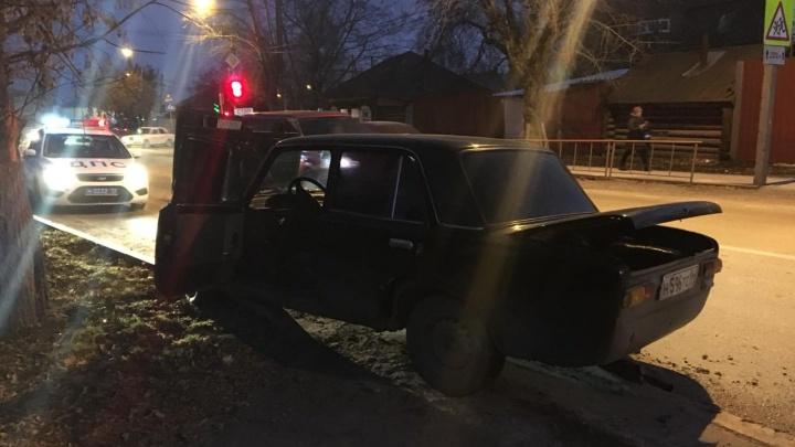 В Тюмени бесправный водитель сбил толпу людей. Среди пострадавших 2-месячная девочка