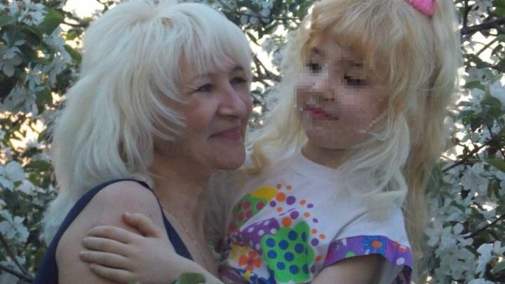 На Урале история с детьми, которых десять лет держала в плену мать, закончилась уголовным делом