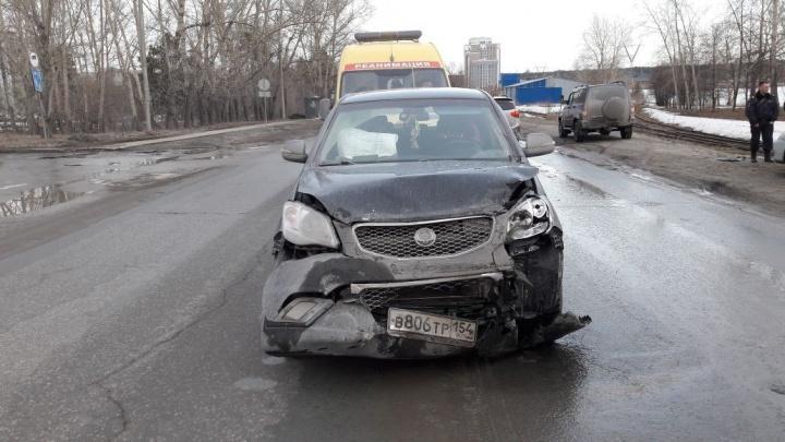 Машина с тремя детьми попала в ДТП в Советском районе