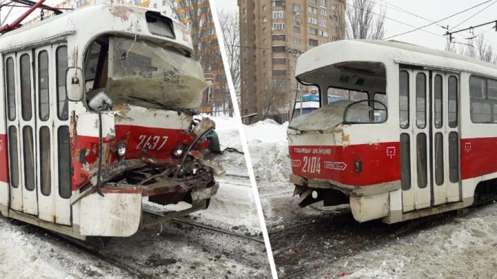 В ТТУ рассказали о причине столкновения двух трамваев на Демократической
