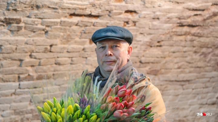 Цвет нации: южноуралец выращивает тюльпаны круче голландских и хранит их в купеческом погребе
