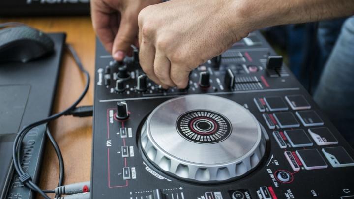 На репите: аналитики выяснили, какую музыку новосибирцы слушают чаще всего