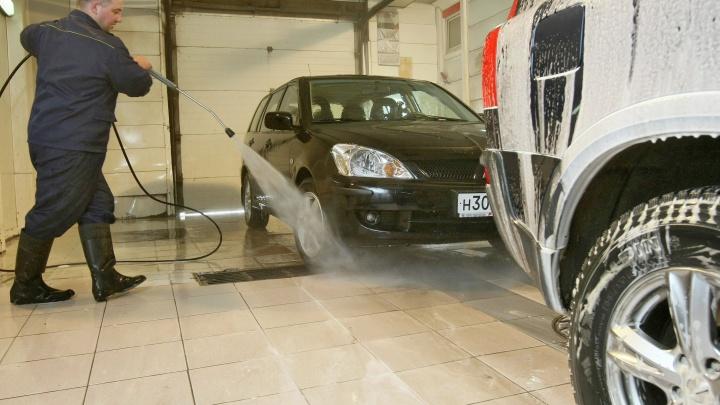 Улица чистых машин: власти объяснили, почему не могут снести автомойки на Жуковского