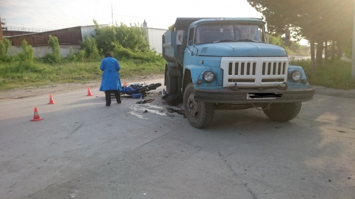 Мотоциклиста разорвало на куски в ДТП с грузовиком