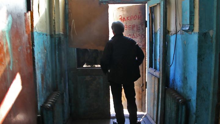 Иди куда хочешь: суд запретил пенсионеру жить в аварийном бараке