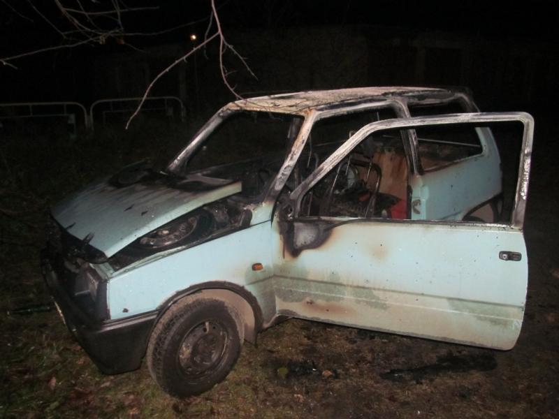 «Недоставайсяж тыникому»: муж сжег машину бывшей супруги