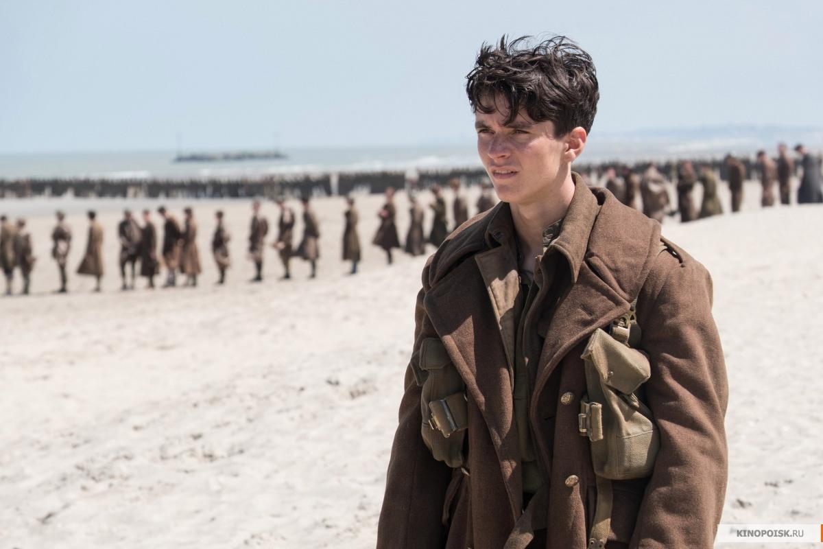 В фильме «Дюнкерк» для создания эффекта массовости использовали картонные фигуры солдат