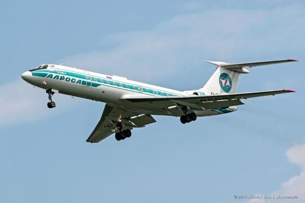 Самолёт Ту-134 с регистрационным номером RA-65693 летает с 1980 года