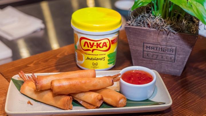 Шеф-повар популярного ресторана показал, как из майонеза, воды и мяса быстро приготовить необычные блюда