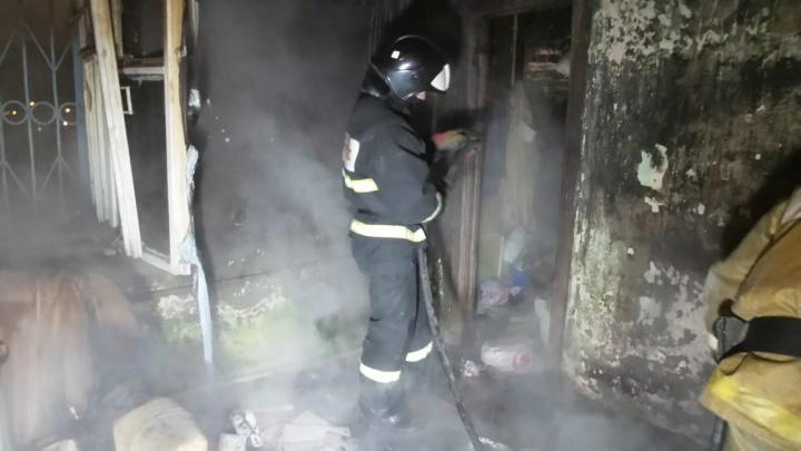 В многоэтажке на Вторчермете при пожаре погиб 50-летний мужчина. Его сожительница пропала
