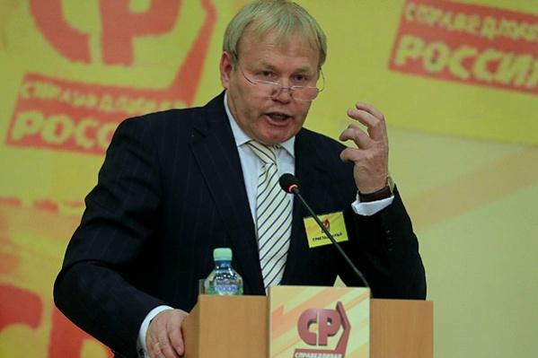 Восемь лет Трикман возглавлял красноярское отделение партии «Справедливая Россия»