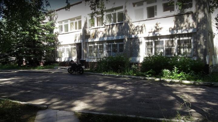 Следователи изымают документы в больнице, где не приняли тюменку с отеком легких