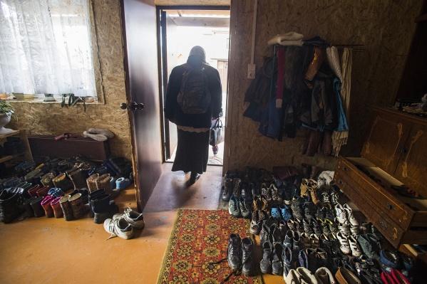 Обувь и даже одежду оставляют в прихожей —вдруг кому что понадобится