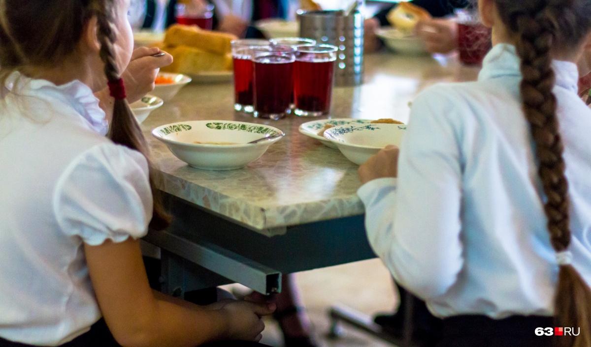 Специалисты посетят 10 школ и узнают, что едят дети