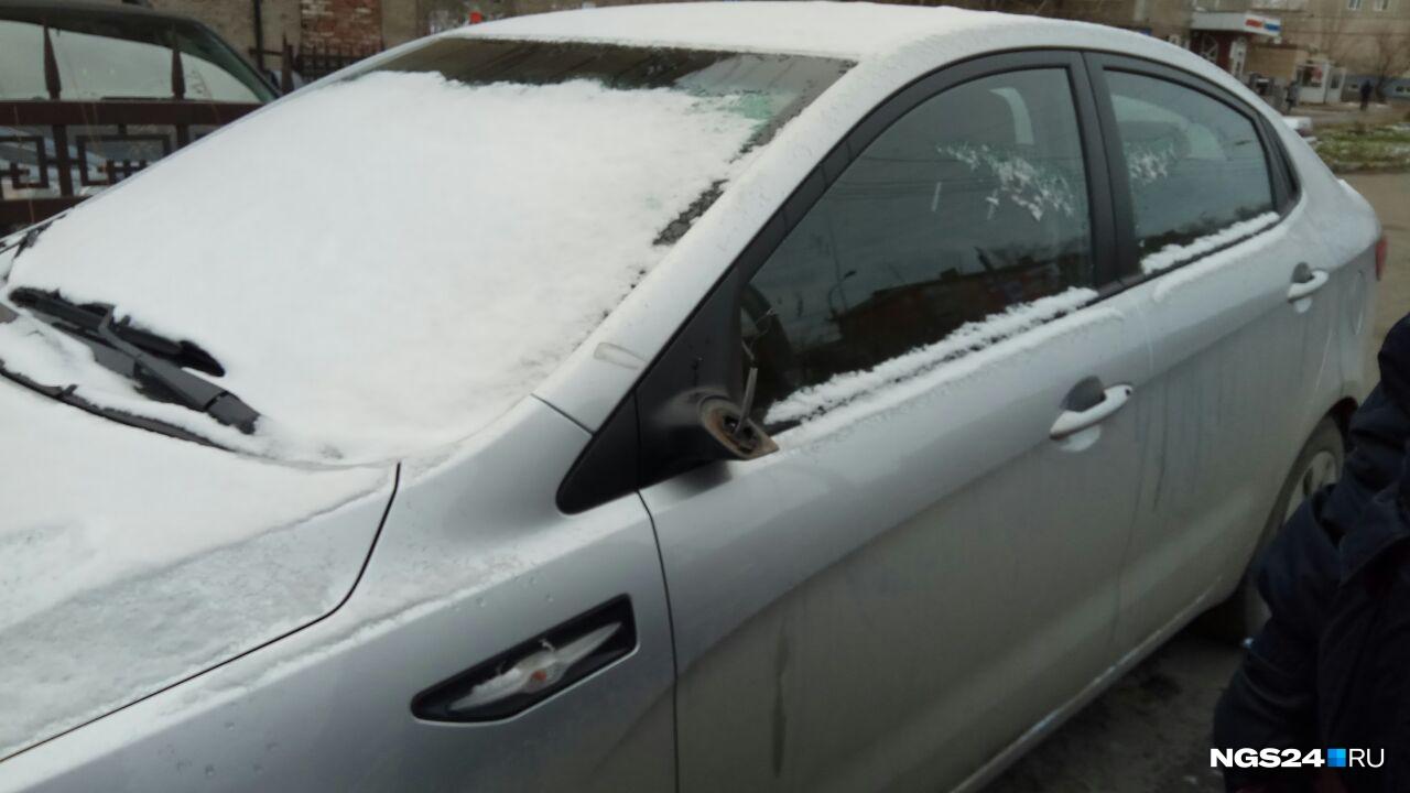 Отсутствие боковых зеркал водители обнаружили лишь наутро
