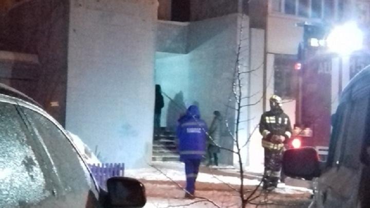 «Третий лифт за день»: на западе Волгограда вновь тушили высотку