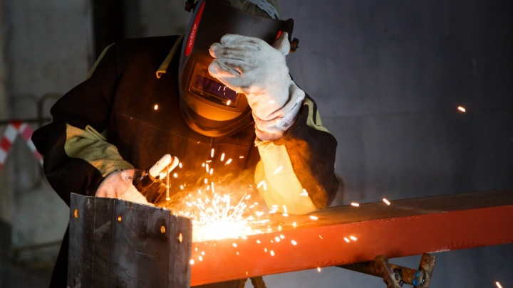 В Волгограде выберут лучших электромонтёров, электросварщиков, экскаваторщиков и лаборантов
