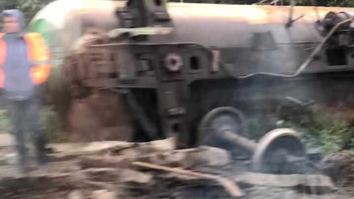 Под Ревдой сошли с рельсов пять вагонов грузового поезда