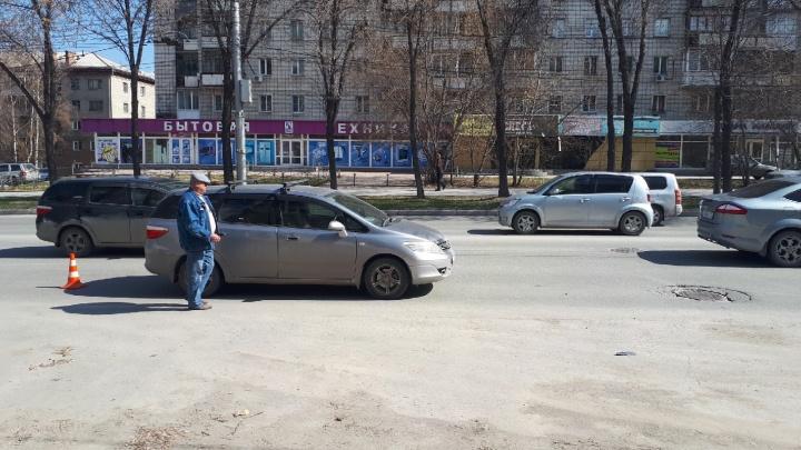Мальчик перебегал улицу Ватутина в неположенном месте и попал под колёса «Хонды»