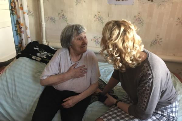 Фельдшер проверила здоровье у пенсионерки. Все хорошо