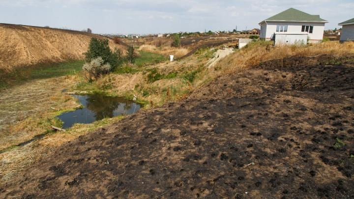 Волгоградская область снова в огне: из-за грозы загорелись несколько районов
