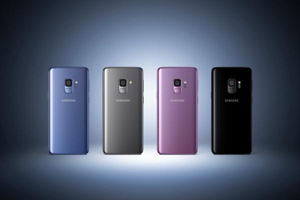 Смартфоны доступны жителям Сибири в цветах «черный бриллиант», «титан» и «ультрафиолет»