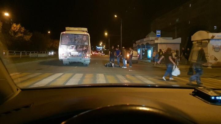 За сутки на дорогах Кургана сбили трёх человек