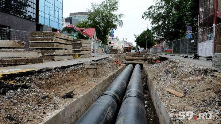 Новая полоса на Крисанова, закрытый перекресток на Островского. Где и как ремонтируют трубы в Перми