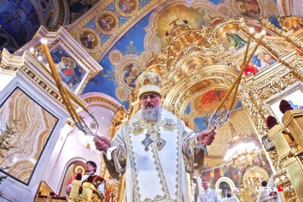 Митрополит Уфимский и Стерлитамакский Никон зачитал рождественское послание московского патриарха Кирилла