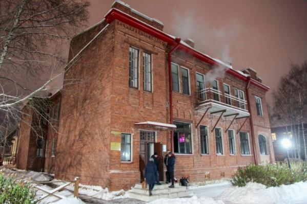 Горевшее 13 ноября здание переделывали в ресторан с нарушениями