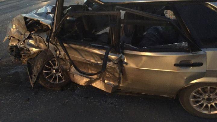 Жителя Башкирии зажало в машине после ДТП