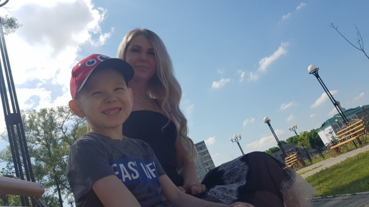 Мальчика с опухолью отказались лечить из-за праздников. Полиция отказала его отцу в уголовном деле
