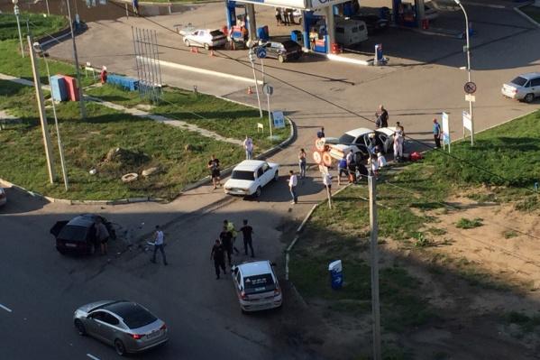 В аварии участвовало только два автомобиля, однако в каждом помимо водителя было по нескольку пассажиров