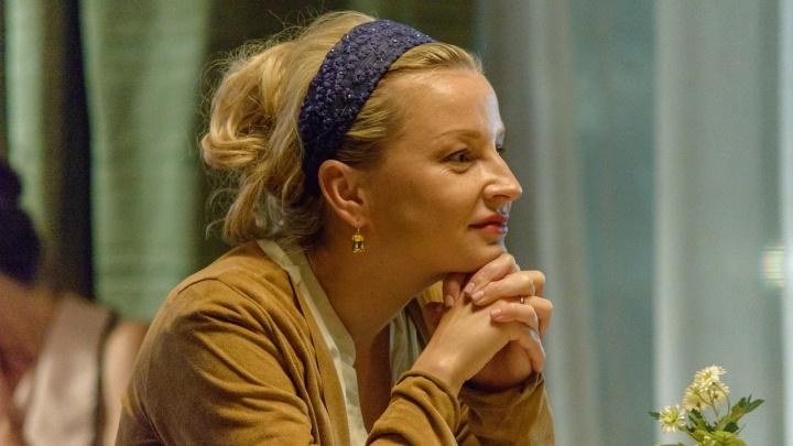 Ольга Медынич — о съемках в сериале «Год культуры», сценаристами которого стали два омича