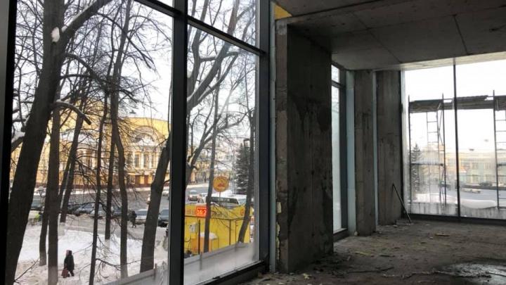 Достроят в этом году: что откроют в спорном торговом центре «Волков-плаза»