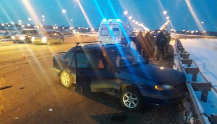 Появились подробности и видео момента столкновения ВАЗ-2115 и Subaru XV, в котором погиб человек