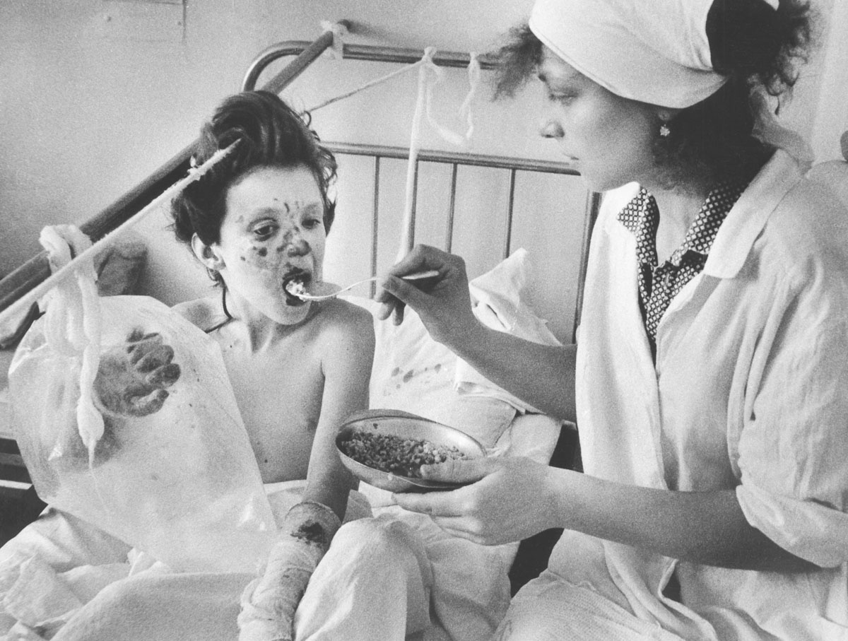 В зависимости от тяжести травм пострадавших распределяли по больницам разных городов: возможностей только челябинских и уфимских больниц было недостаточно