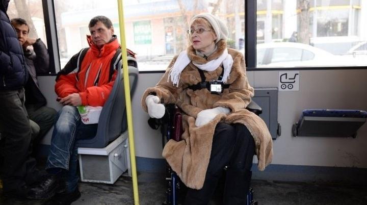 """Ревизорро в инвалидной коляске рассказала Путину о проблемах """"доступной среды"""" в Екатеринбурге"""