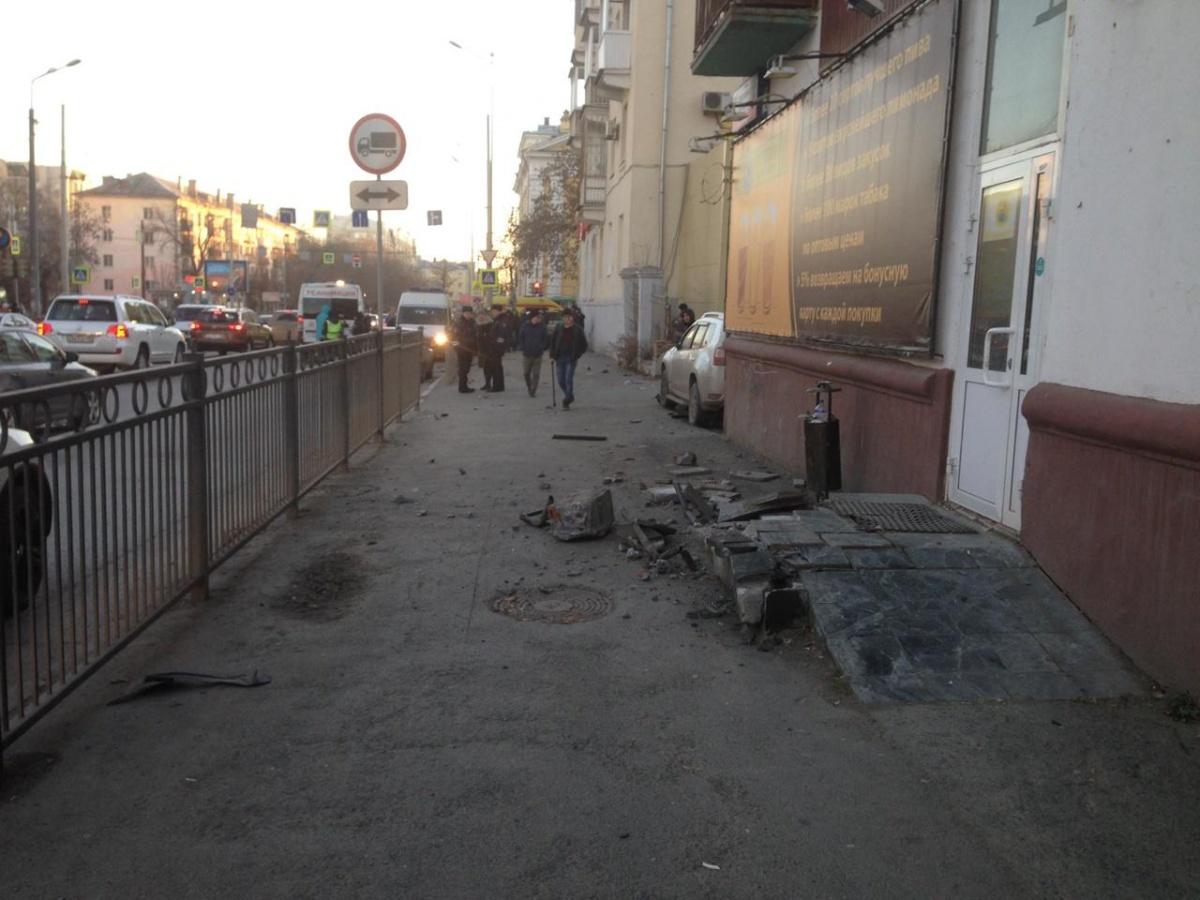 Ребёнок в коме, двое взрослых — в тяжёлом состоянии: Honda сбила пешеходов на Фурманова