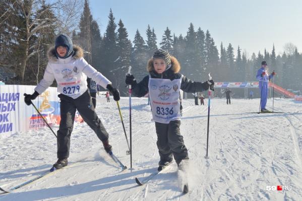 Пермяки говорят, что за использование лыж в гимназии №2 с учеников берут деньги