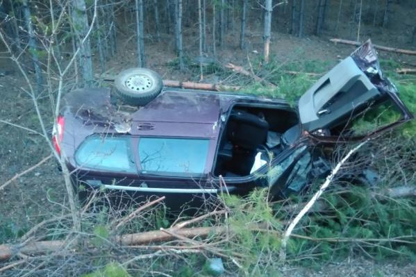 Водитель и пассажир чудом выжили