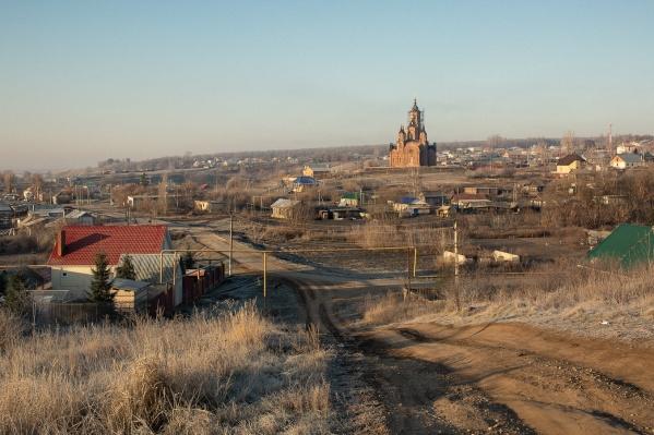 Церковь в Мусорке возвышается над селом