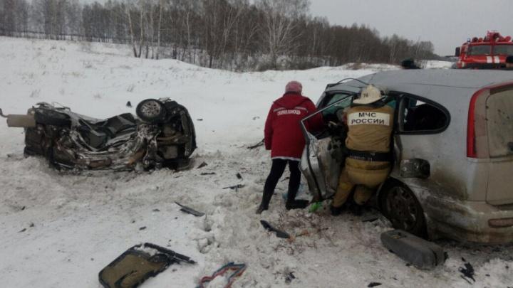 «Машину разорвало пополам»: подробности ДТП с шестью погибшими под Новосибирском